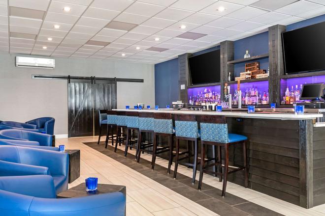 北會議中心凱瑞華晟酒店 - 勒星頓 - 列克星敦(肯塔基州) - 酒吧
