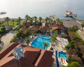 Club Akman Beach Hotel - Camyuva - Pool