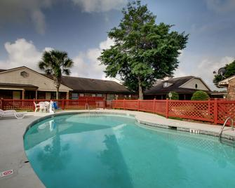 Key West Inn - Pensacola - Pensacola - Pool