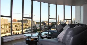 Executive Suite At The Juliet Building, Downtown Victoria, Bc. - Victoria - Wohnzimmer