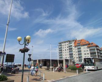 Hotel Uilenspiegel - Nieuwpoort - Gebäude