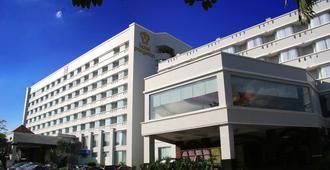 โรงแรมปาเงอรัน เปอกันบารู - เปกันบารู