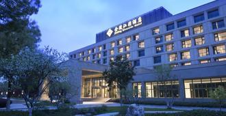 Jinling Riverside Hotel - נאנז'ינג - בניין