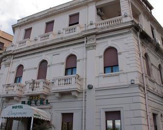 Lungomare Hotel - Reggio Calabria - Gebäude