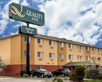 Quality Inn - Dubuque - Gebäude