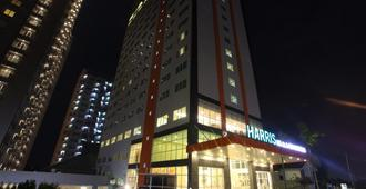 Harris Hotel & Conventions Ciumbuleuit - Bandung - Bandung - Building