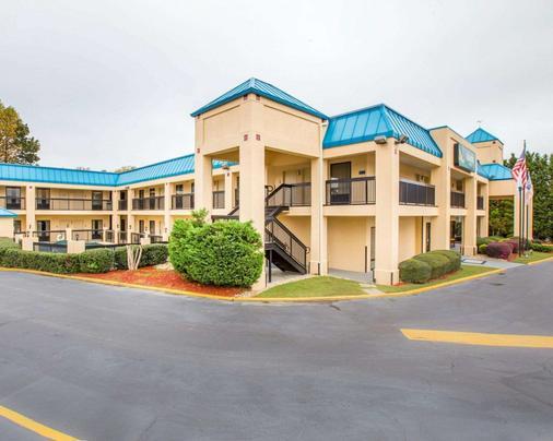 Quality Inn near Six Flags - Douglasville - Building
