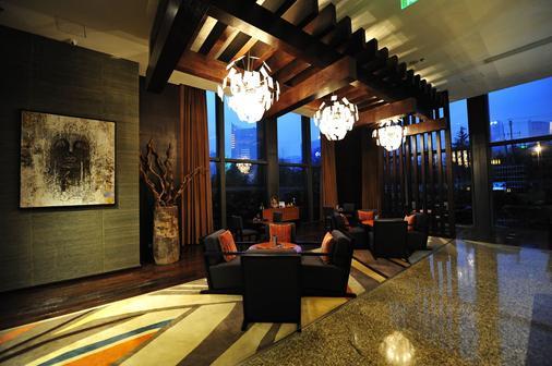 Renaissance Guiyang Hotel - Guiyang - Lobby