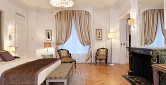 Majestic Hotel Spa - Champs Elysées - פריז - חדר שינה