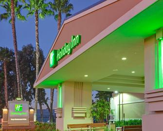 Holiday Inn Hotel & Suites Anaheim - Anaheim - Building