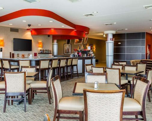 坎布里亞套房酒店 - 愛波頓 - 阿普爾頓 - 酒吧