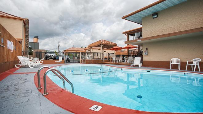 Best Western Center Pointe Inn - Branson - Pool