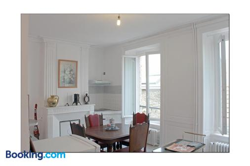 les Unelli - Cherbourg-Octeville - Dining room