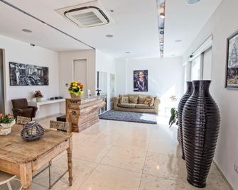 Hotel Country House La Radice - Civitanova Marche - Sala de estar