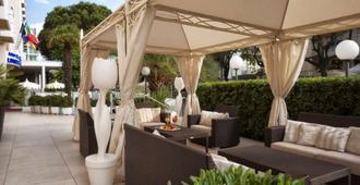 Litoraneo Suite Hotel - Rímini - Patio