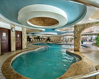 Four Seasons Country Club - Almancil - Pool