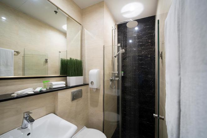 V ホテル ラベンダー - シンガポール - 浴室
