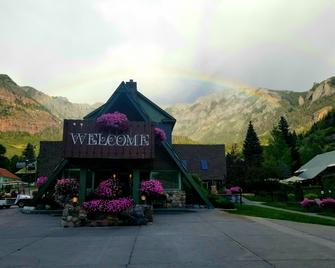Twin Peaks Lodge & Hot Springs - Ouray - Gebäude