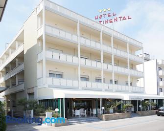 Hotel Continental - Каорле - Building