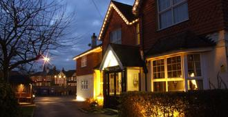 The Corner House Hotel Gatwick - Horley