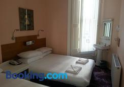 Manor Hotel - London - Bedroom