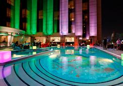 Fairmont Dubai - Dubai - Pool