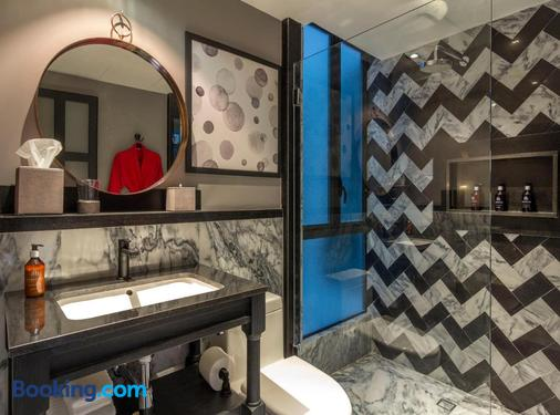 The Wild Oscar - Mexico City - Bathroom