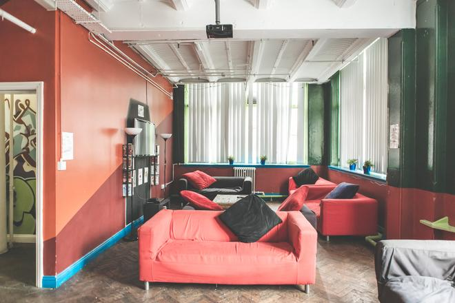 Hatters Hostel Manchester - Manchester - Lounge
