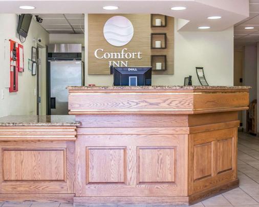 Comfort Inn Fort Myers - Fort Myers - Front desk