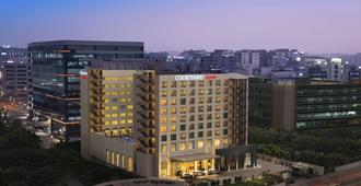 Courtyard by Marriott Bengaluru Outer Ring Road - Bengaluru - Building