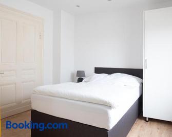 Moderne Wohnung In Der Innenstadt Mit Netflix & Wlan - Bad Oeynhausen - Schlafzimmer