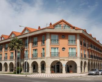 Hotel Bahia Bayona - Bayona - Building