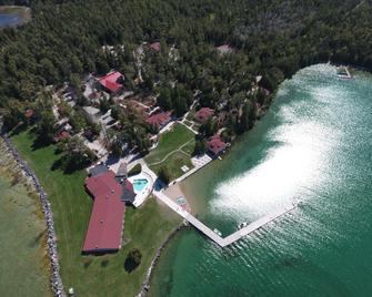 Gordon Lodge - Baileys Harbor - Buiten zicht
