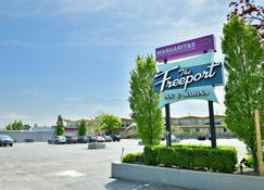 The Freeport Inn and Marina - Freeport - Edificio