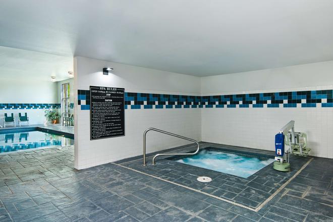 Oxford Suites Yakima - Yakima - Pool