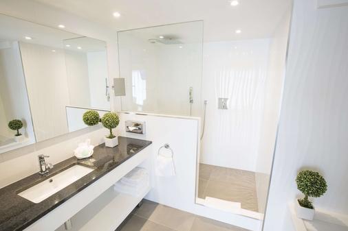 Best Western Plus Cannes Riviera & Spa - Cannes - Bathroom