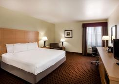La Quinta Inn & Suites by Wyndham Odessa North - Odessa - Bedroom