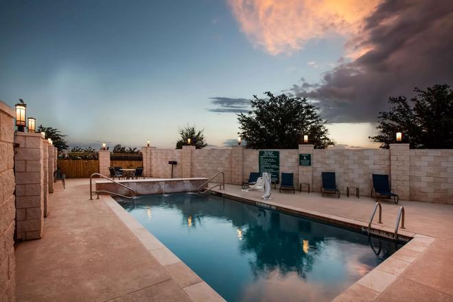 La Quinta Inn & Suites by Wyndham Odessa North - Odessa - Pool