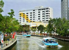 Tf Riverside Hotel - Malacca - Building