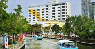 Tf Riverside Hotel - Malacca