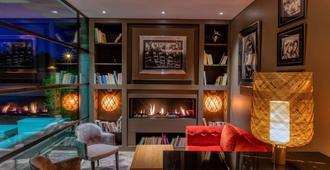 Best Western Plus Le Lavarin - Avignon - Lounge