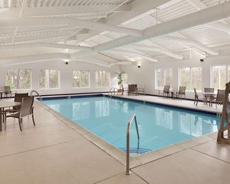 Country Inn & Suites by Radisson, Fredericksburg S - Fredericksburg - Bazén