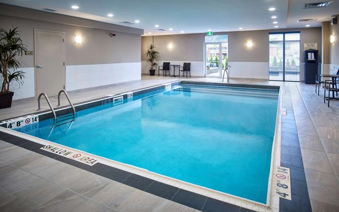 Homewood Suites by Hilton North Bay - North Bay - Pool