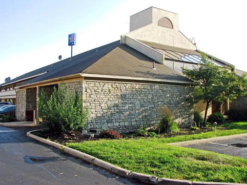 Motel 6 Dayton Englewood - Dayton - Rakennus