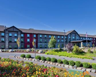 Hampton Inn & Suites Bend - Bend - Building