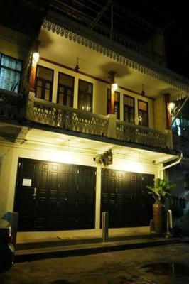 The Royal Thatien Village - Bangkok - Building