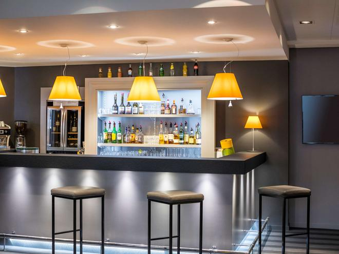 水星岡中央普萊森斯門酒店 - 康城 - 凱恩 - 酒吧