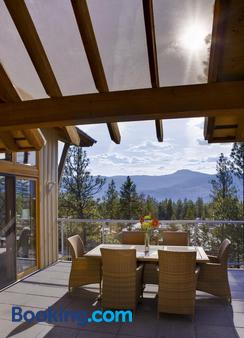 Outback Lakeside Vacation Homes - Vernon - Balcony