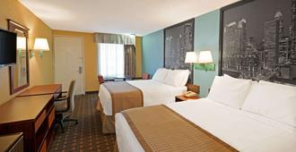 Super 8 by Wyndham Charlotte Airport North - Charlotte - Bedroom