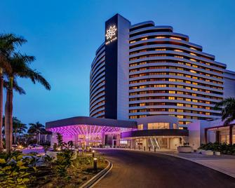 The Star Grand at The Star Gold Coast - Броудбич - Здание
